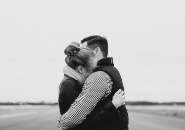 新婚夫妻成功获得瑞士旅游签